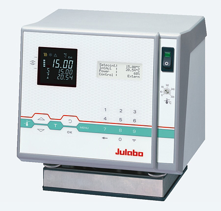 Julabo F25-HL circulator thermostat image from Asynt