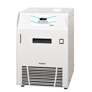 Julabo F500 recirculating cooler from Asynt