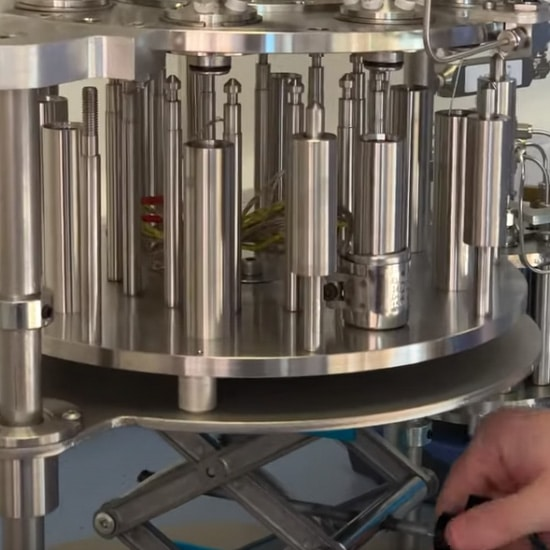 Multicell-Plus parallel high pressure reactor from Asynt - the lifting system